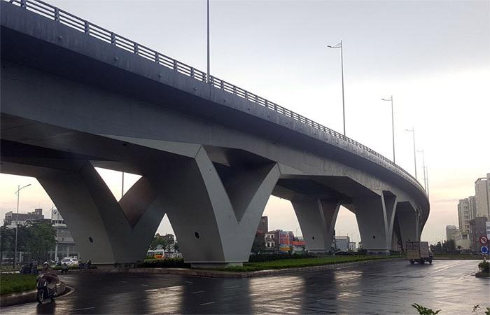 Long-Bien-Bridge-Vietnam